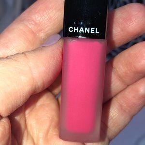 NIB Rouge Allure Ink #200 Pink Ruby